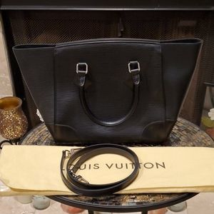 💯% Auth Louis Vuitton Phenix PM Epi Noir